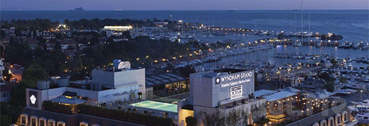 """Wyndham Grand Istanbul Kalamış Marina Hotel'de 2 Kişilik Konaklama ve Akşam Yemeği Seçenekleriyle """"Kalamışta Hayat Başka' Paketleri"""