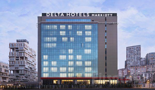 Delta By Marriott İstanbul Haliç Hotel'de 2 Kişilik Konaklama, Kahvaltı ve SPA Kullanımı