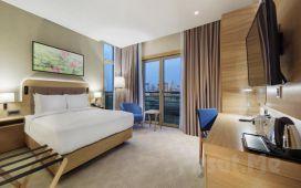 Doubletree By Hilton İstanbul Tuzla'da 2 Kişilik Odalarda 1 Gece Konaklama , Kahvaltı veya Gold Masaj Paketleri