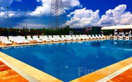 Bahçelievler Yenibosna Kadak Garden Hotel'de Yarı Olimpik Havuz Girişi! (Bayramda Geçerli)