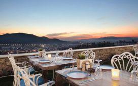 Mistik Şehir Selçuk Nea Efessos Hotel Maza Kitchen'da Sınırsız Çay Eşliğinde Serpme Köy Kahvaltısı Keyfi