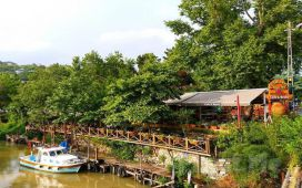 Çömlekçi Hasan Usta'da Göksu Nehri Kenarında Leziz İftar Menüsü