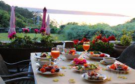 Anadolu Feneri'nde, Boğaz Manzaralı Taşlıhan Restaurant'ta İftar Menüsü