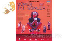 Koreografi ve Teknolojinin Harmanlandığı 'Süper İyi Günler' Tiyatro Oyunu Bileti