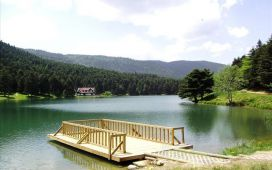 Turdayım.com'dan Hereke'de Serpme Kahvaltı ve Öğlen Yemeği Dahil Günübirlik Abant ve Cennet Göl Turu