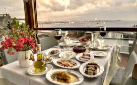 Sultanahmet By Kinyas Restaurant'ta Birbirinden Lezzetli Yemek Menüleri