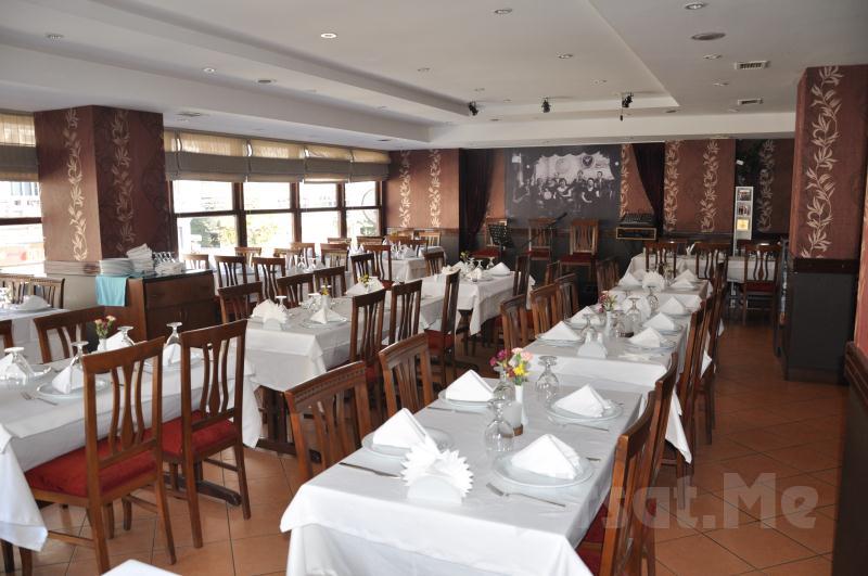 Dolphin Restaurant Fasıl