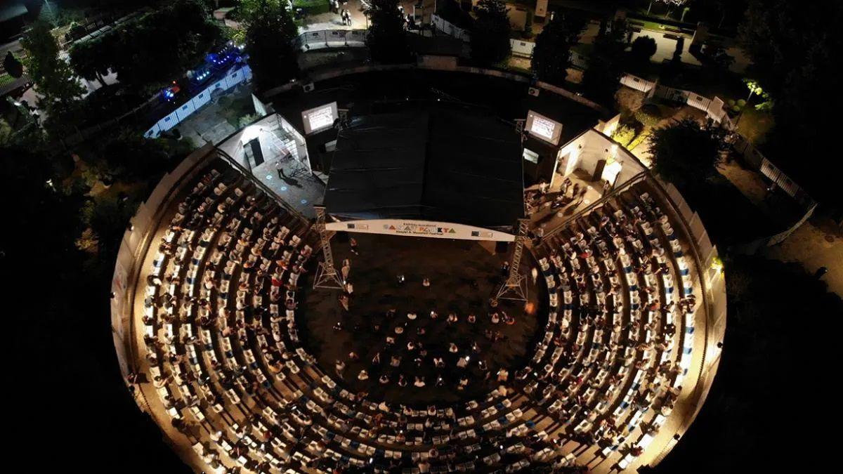Kadıköy Selamiçeşme Özgürlük Parkı Amfi Tiyatro